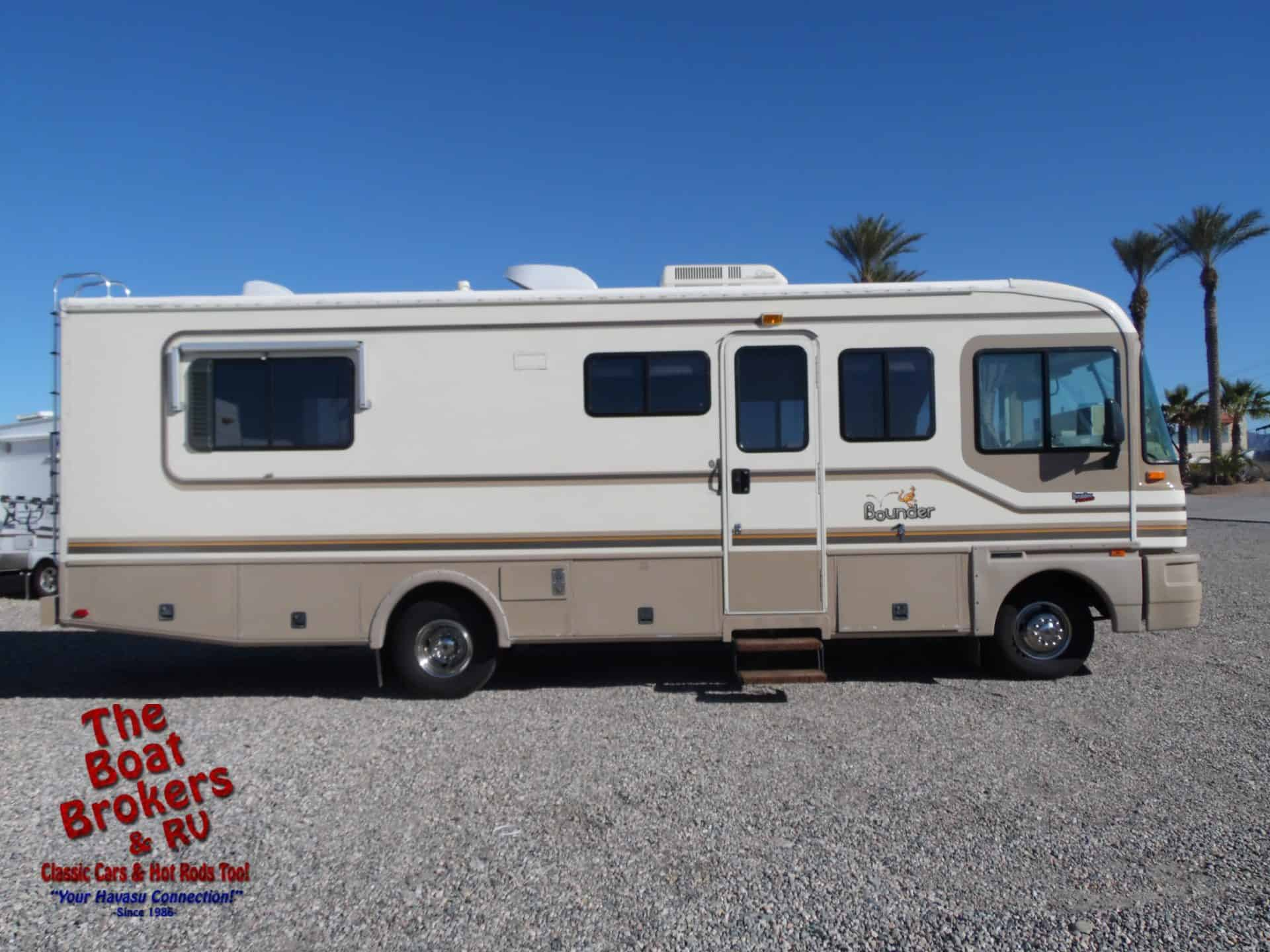 1996 Fleetwood Bounder 28ft Consignee Price Reduction