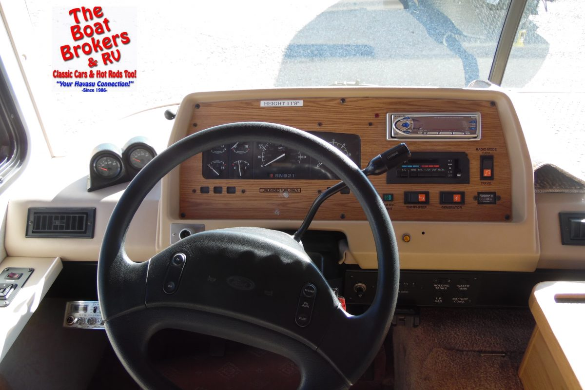 1996 fleetwood Bounder Motorhome 28'