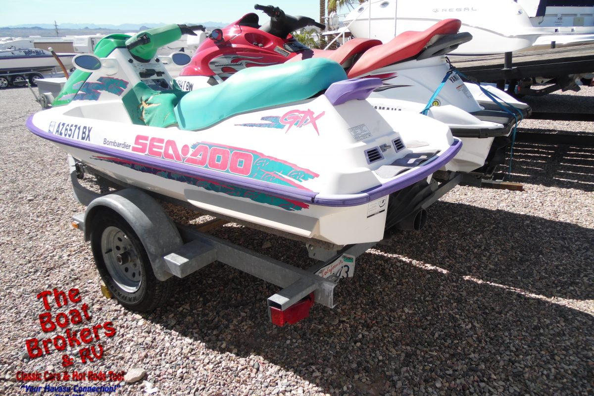 2004 Yamaha Waverunner & 1995 Bombardier Seadoo 10' on Trailer