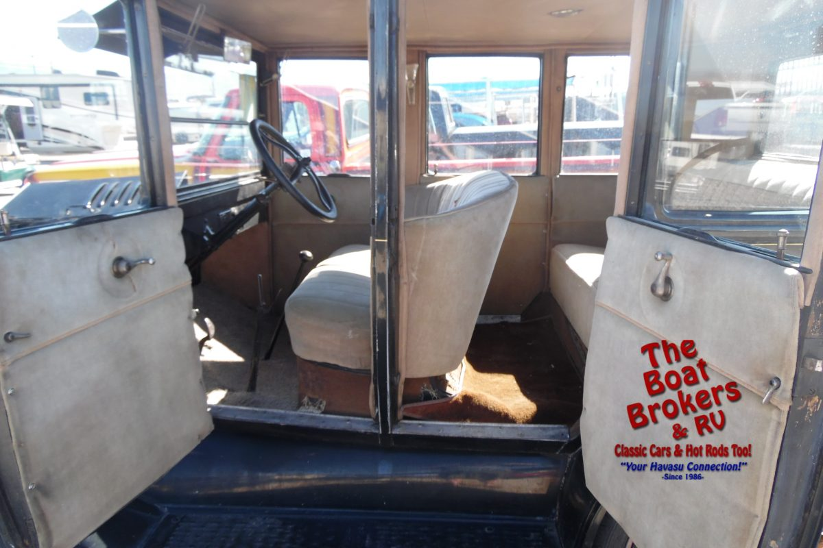 1924 Ford Model T 4 Door Sedan