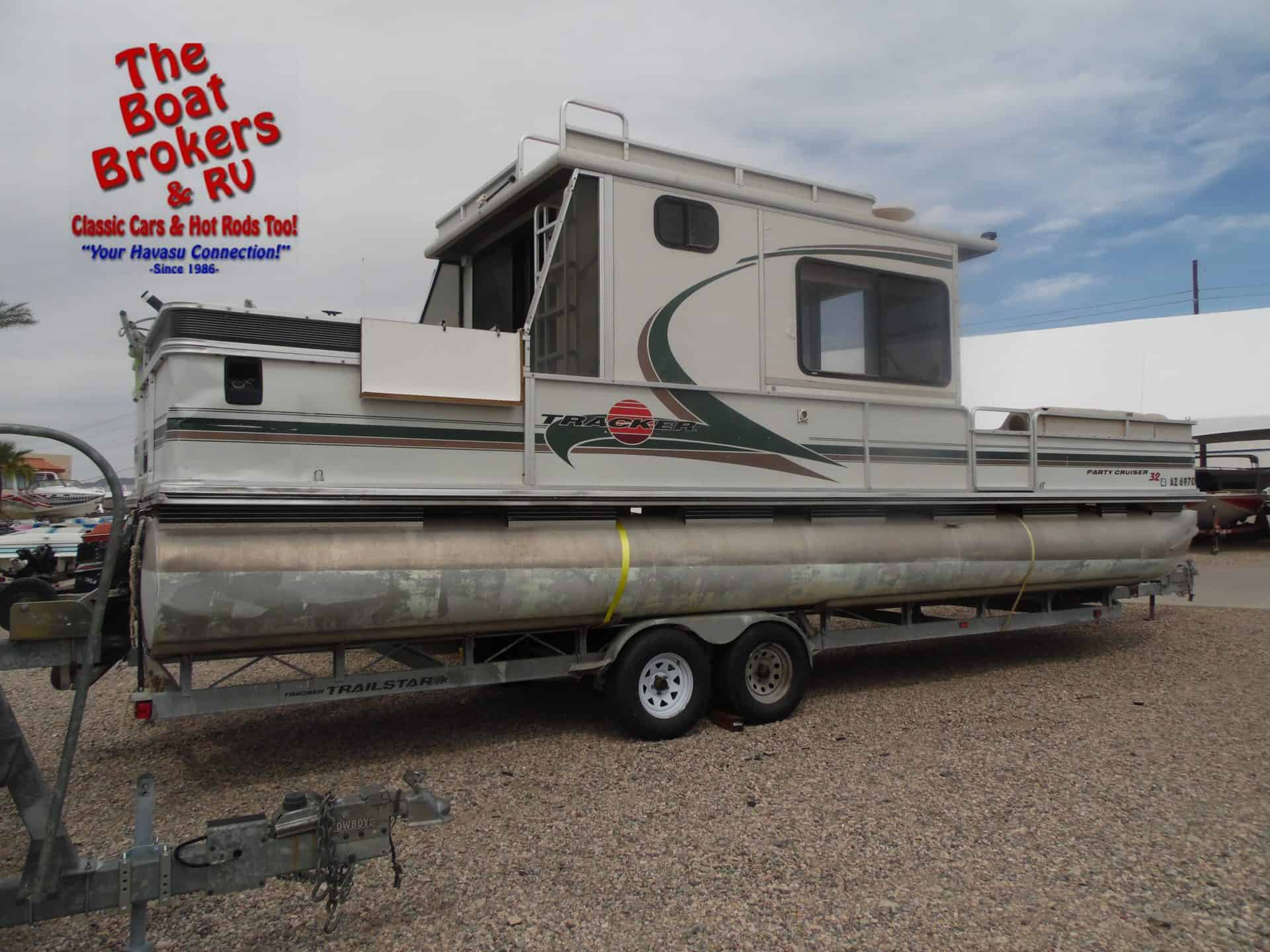 2000 Tracker Party Barge 32ft Pontoon - The Boat Brokers ...