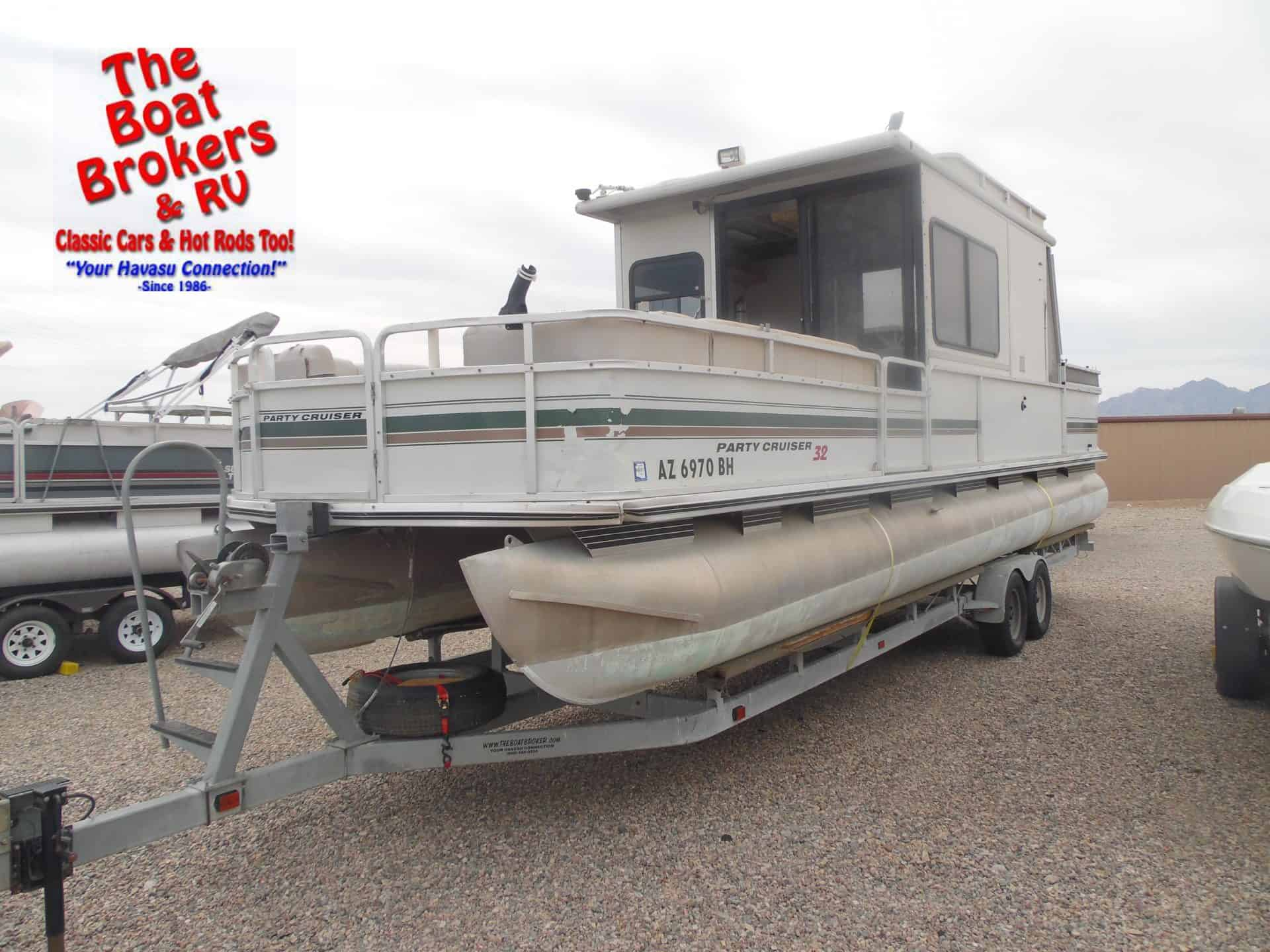 2000 Tracker Party Barge 32ft Pontoon The Boat Brokers
