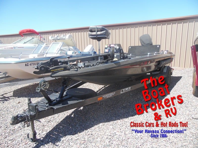 1988 Bass Cat Sabre 18' Fishing Boat
