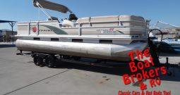 2000 Tracker Party Barge Regency 22′ Pontoon
