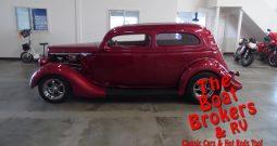 1935 Ford 2 Door Slantback