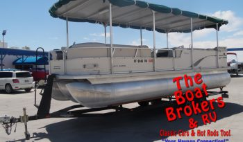 2003 Tracker Party Barge Regency 25′ TriToon PRICE REDUCED