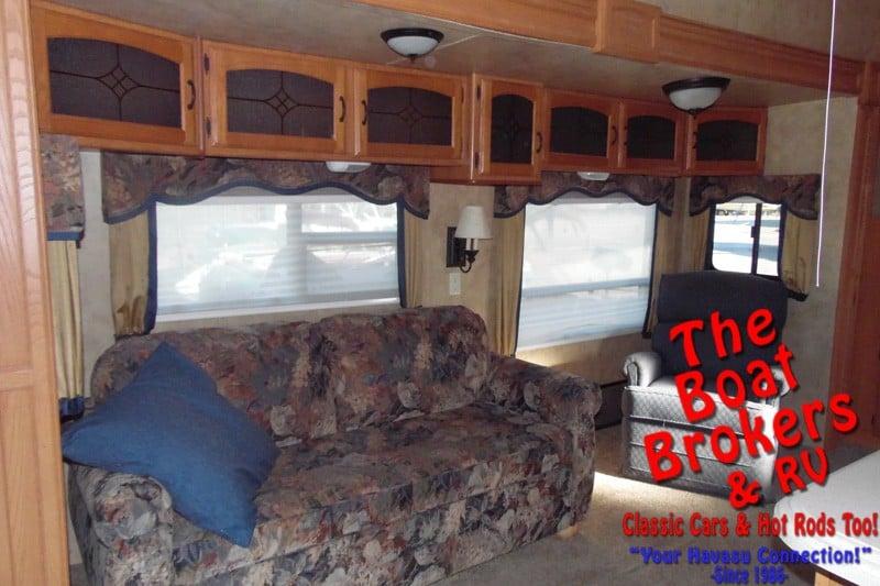 2008 Keystone Montana 33' Fifth Wheel