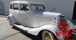 1934 FORD 4 DOOR SEDAN/WHITE
