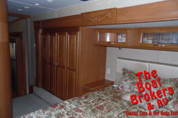 2008 DOUBLE TREE MOBLE SUITES 36' S133 5TH WHEEL