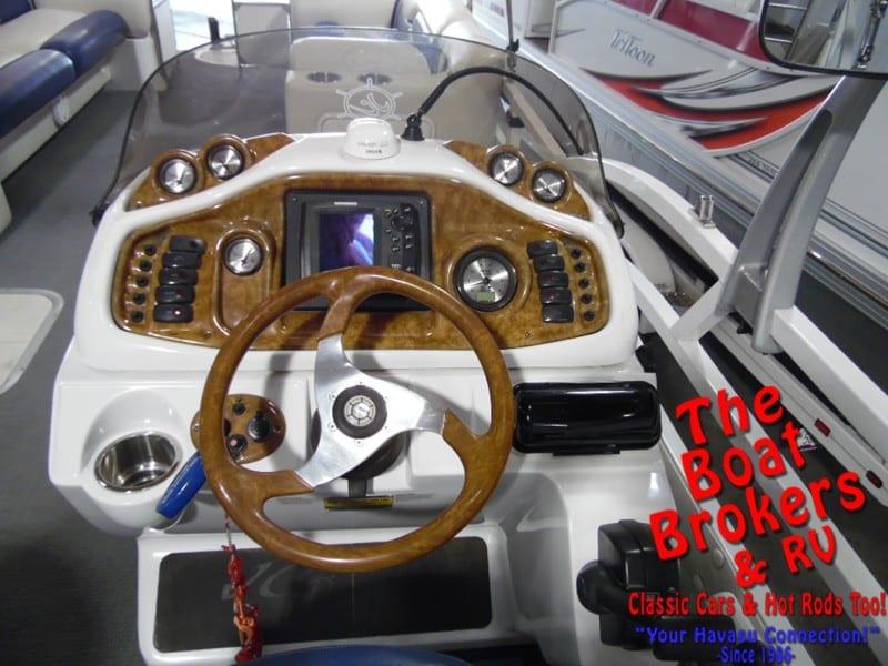 2006 JC CLASSIC 266 TriToon 26'