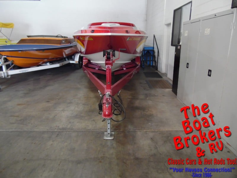 2006 DOMIN8ER CLOSED BOW 28'