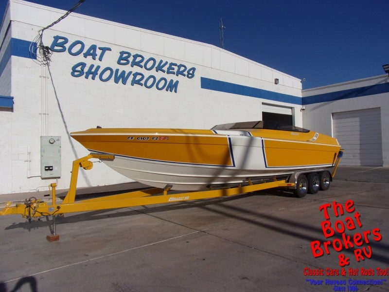 1996 HALLET 300 T105 CLOSED BOW 30'