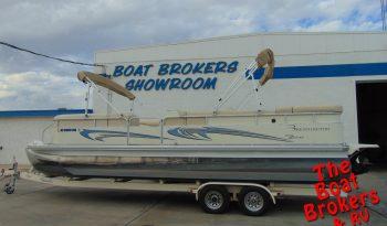 2007 BENNINGTON TRIPLE TUBE 2575 RL I/O 25′   Price Reduced!