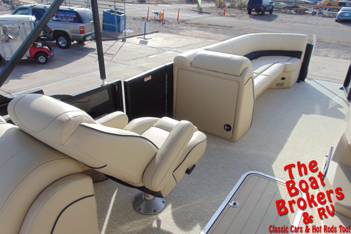 2019 BARLETTA E24QC 24' TRIPLE TUBE BOAT