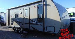 2010 KOMFORT RESORT 239B 23′ Price Reduced!