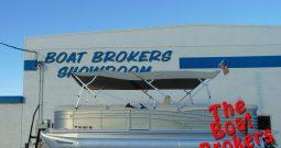 2012 BENNINGTON TRIPLE TUBE 2275 RL I/O 23′