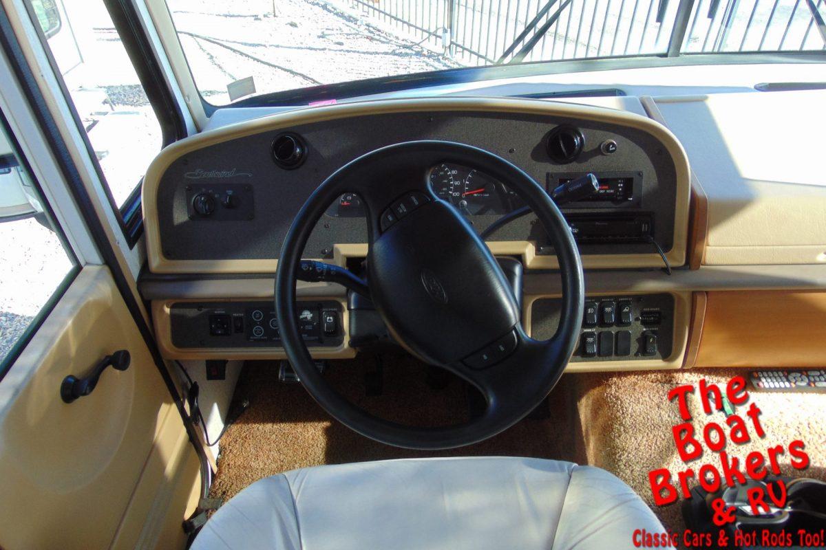 1999 FLEETWOOD SOUTHWIND 37' MOTORHOME