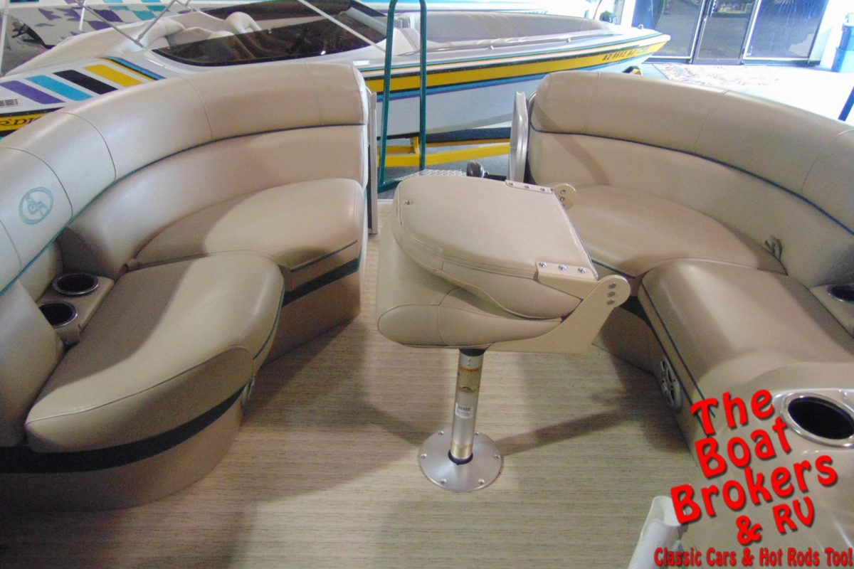 "2015 FOREST RIVER SOUTH BAY TRIPLE TUBE 22' 5"" PONTOON"