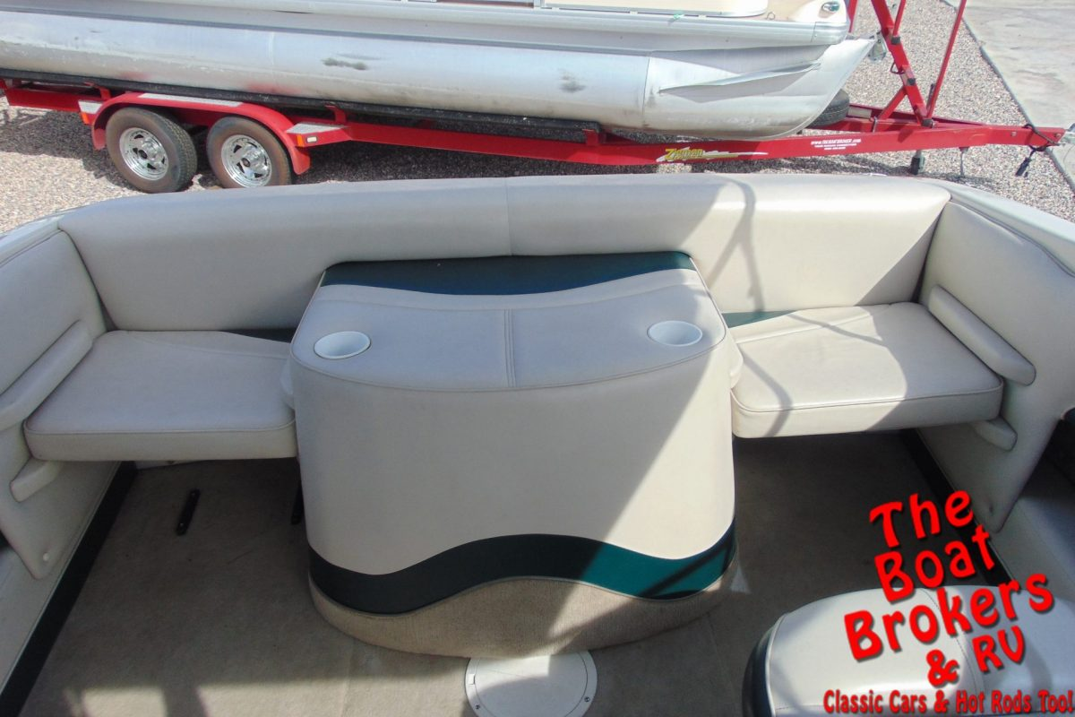2002 CROWNLINE 180 BR 18' OPEN BOW BOAT