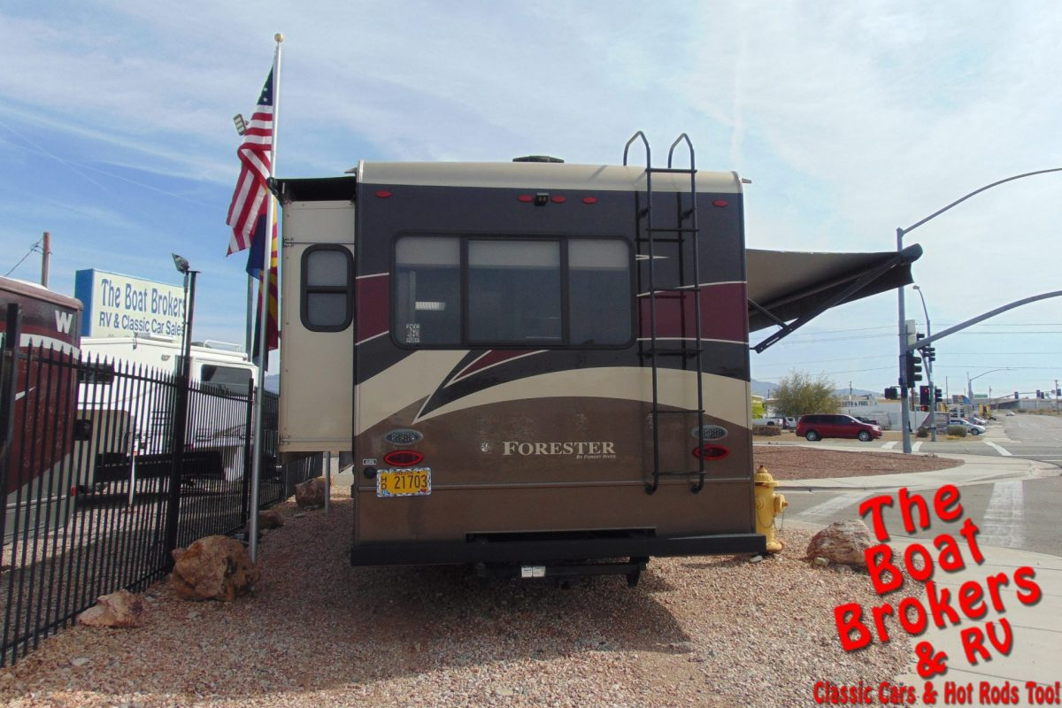 2017 FOREST RIVER FORESTER MOTOR HOME