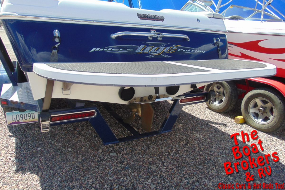 2005 TIGE 22I RIDERS EDITION 22' WAKE/SKI BOAT