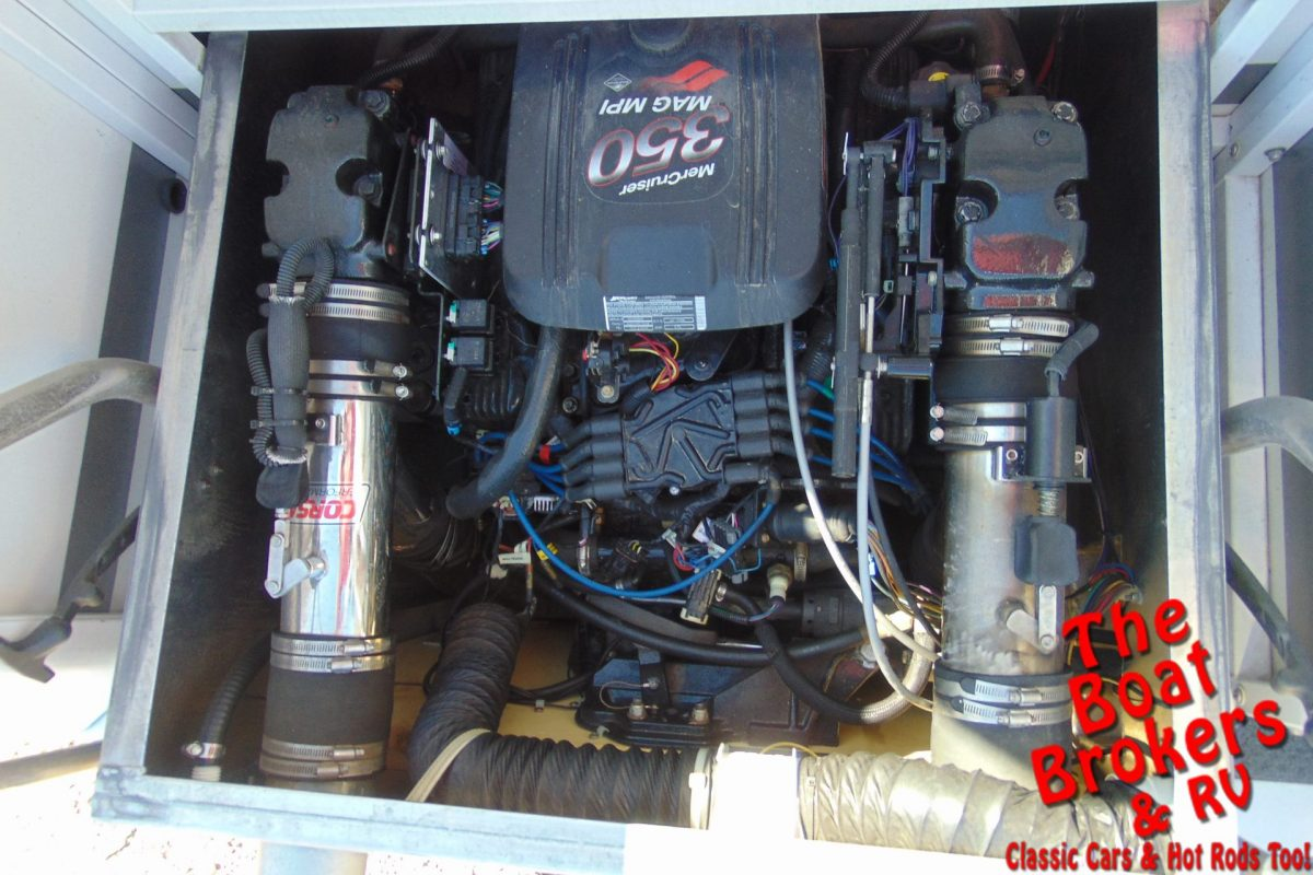 2004 JC CLASSIC 226 TriToon 26'