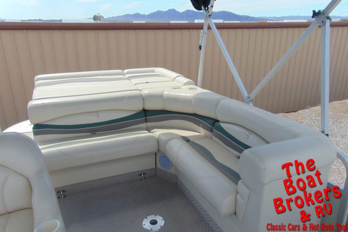 2006 BENNINGTON TRIPLE TUBE I - O 22'