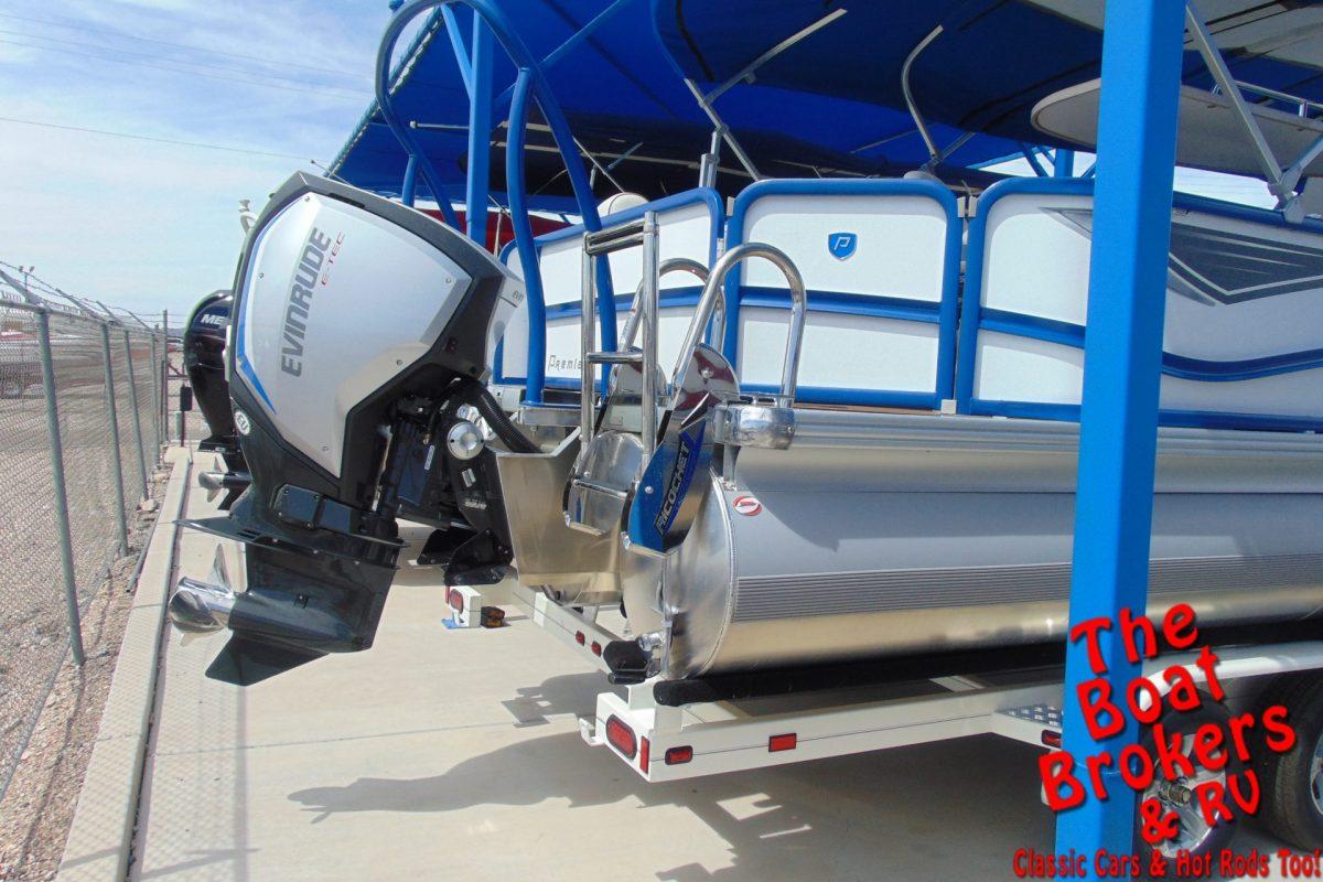 2019 PREMIER SUNSTATION 240 24' TRIPLE TUBE BOAT