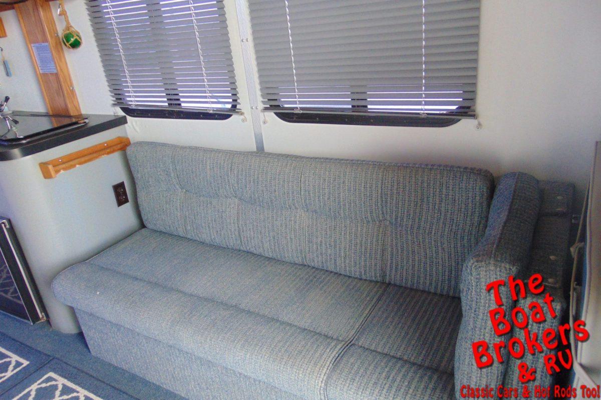1994 TRACKER PARTY CRUISER 32' TRIPLE TUBE PONTOON BOAT