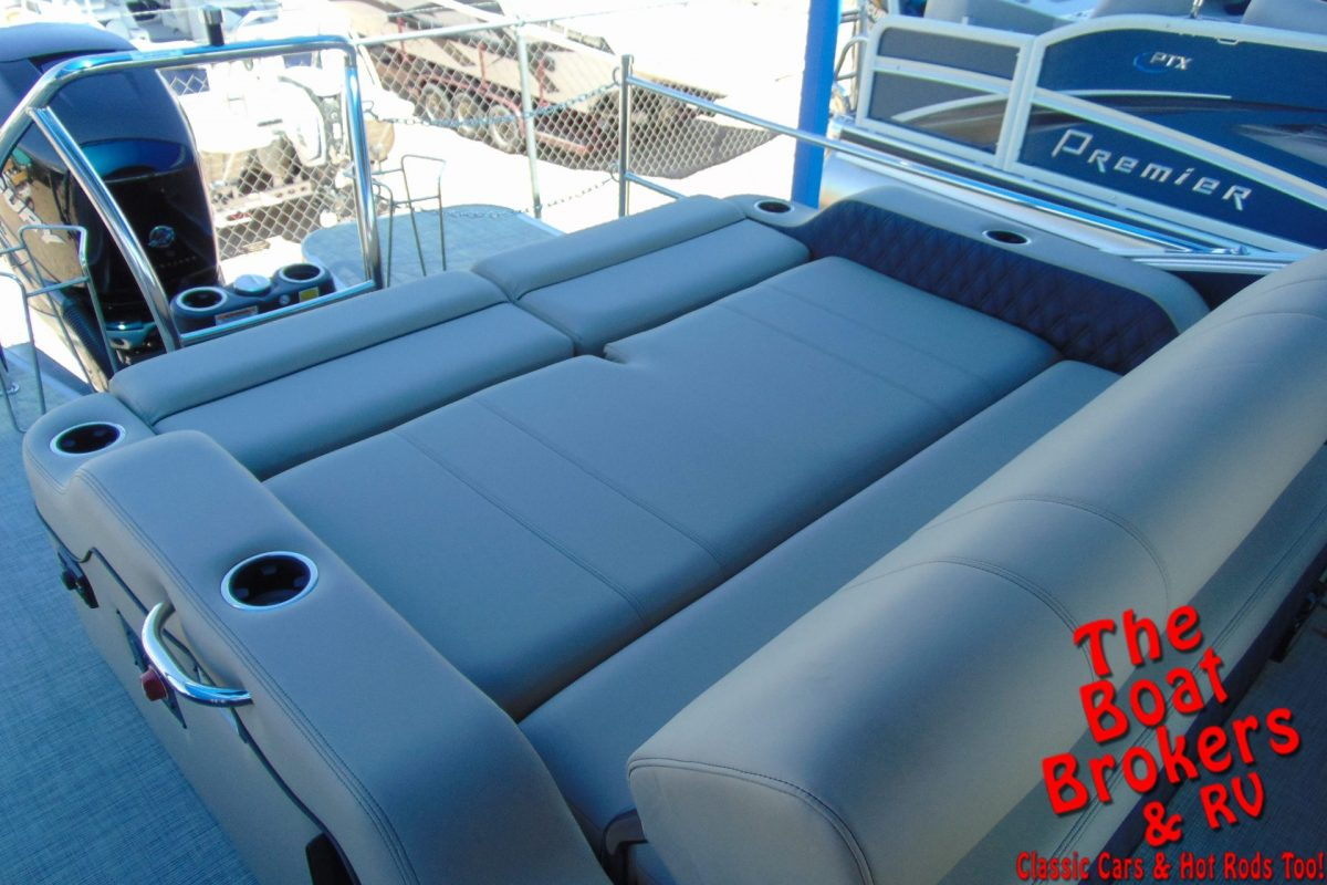 2019 BARLETTA L25UC 25' TRIPLE TUBE BOAT