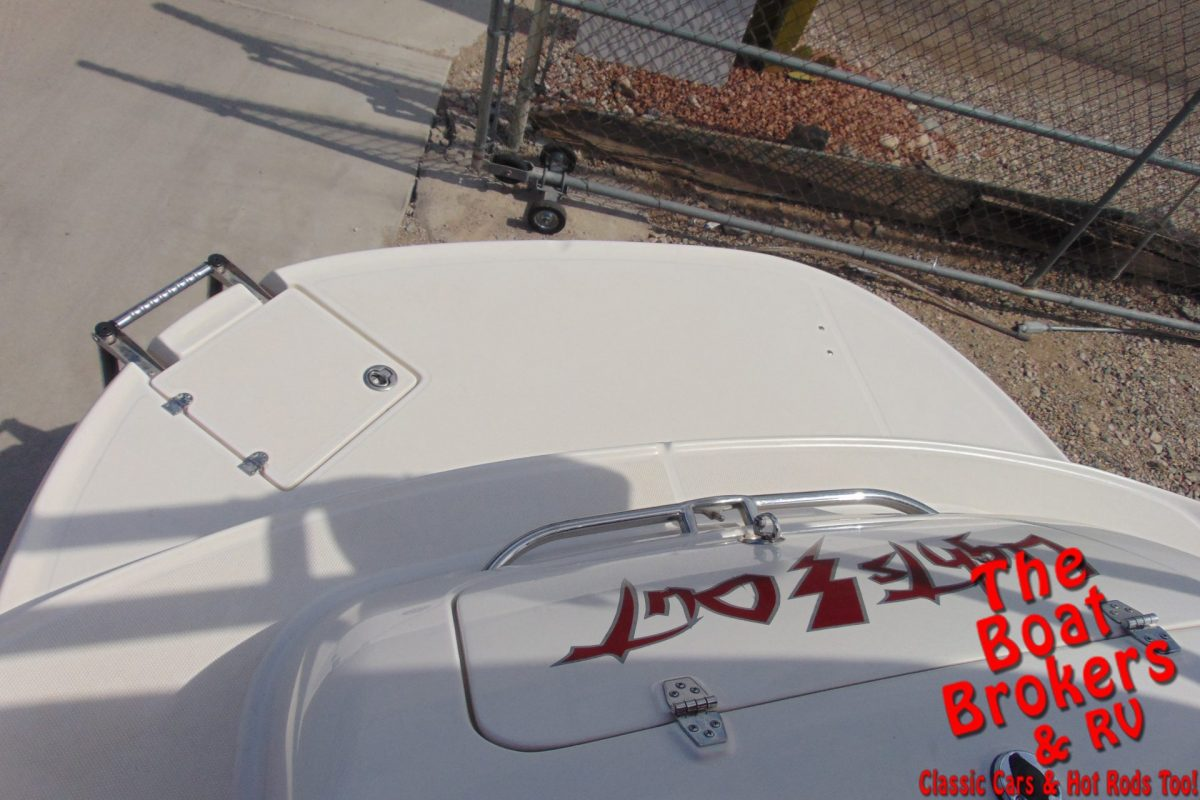 2005 CHAPARRAL 232 SUNESTA OPEN BOW BOAT