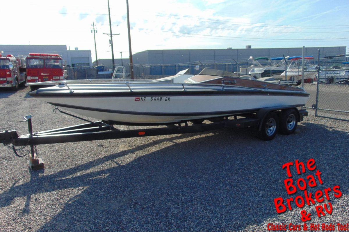 1984 SLEEKCRAFT 21' MINI DAY OPEN BOW BOAT