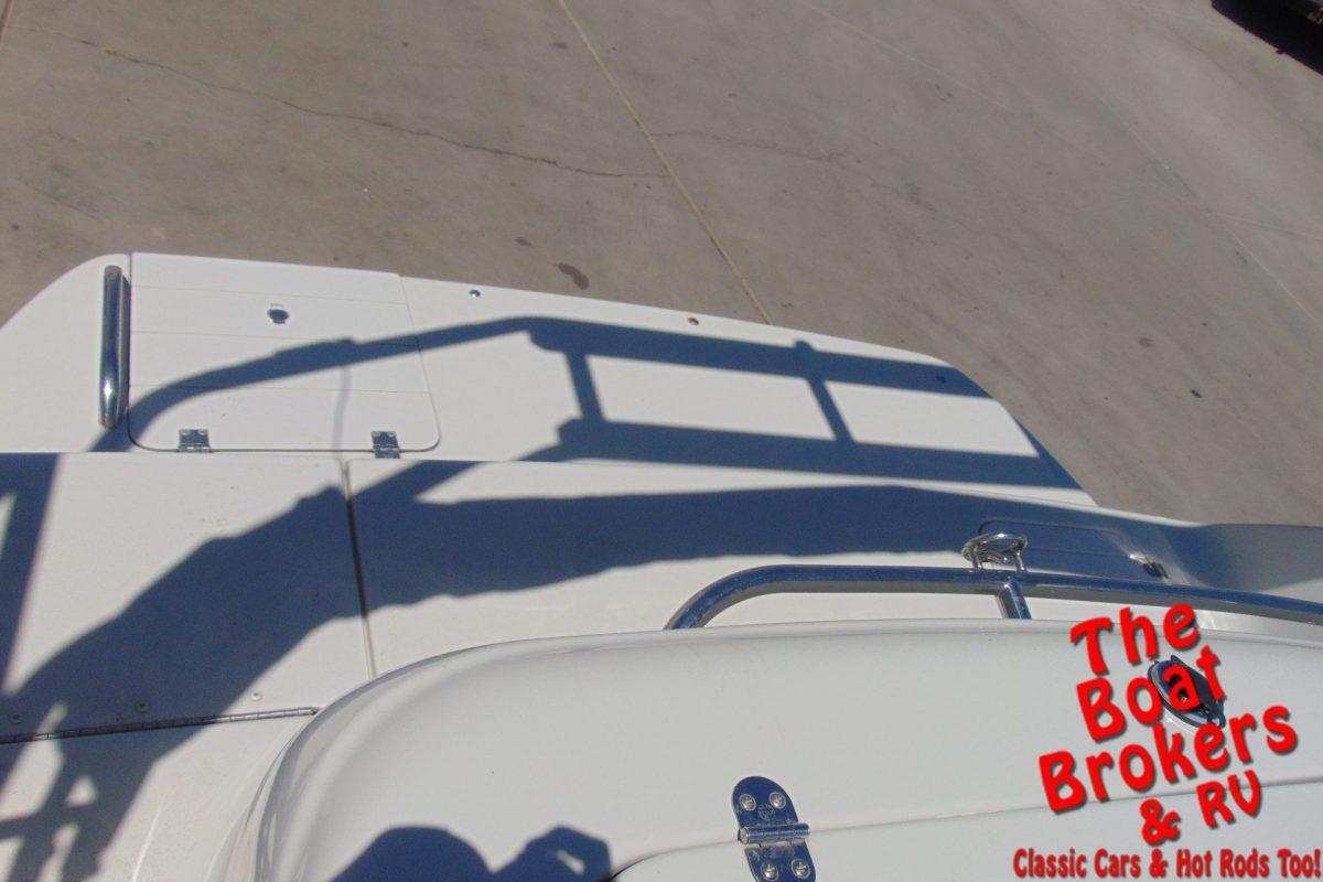 2001 CROWNLINE 212 DECK BOAT 21'