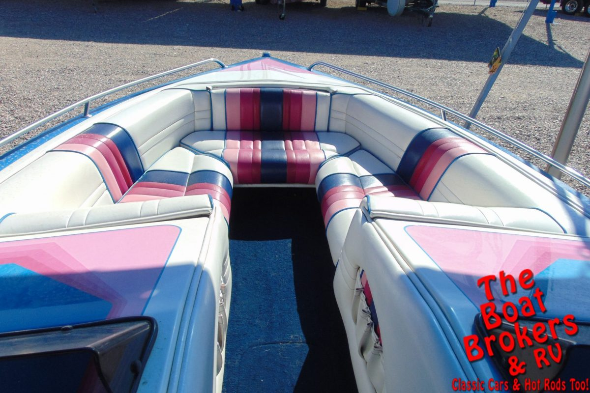 1994 COMMANDER CONQUEST 21' OPEN BOW BOAT