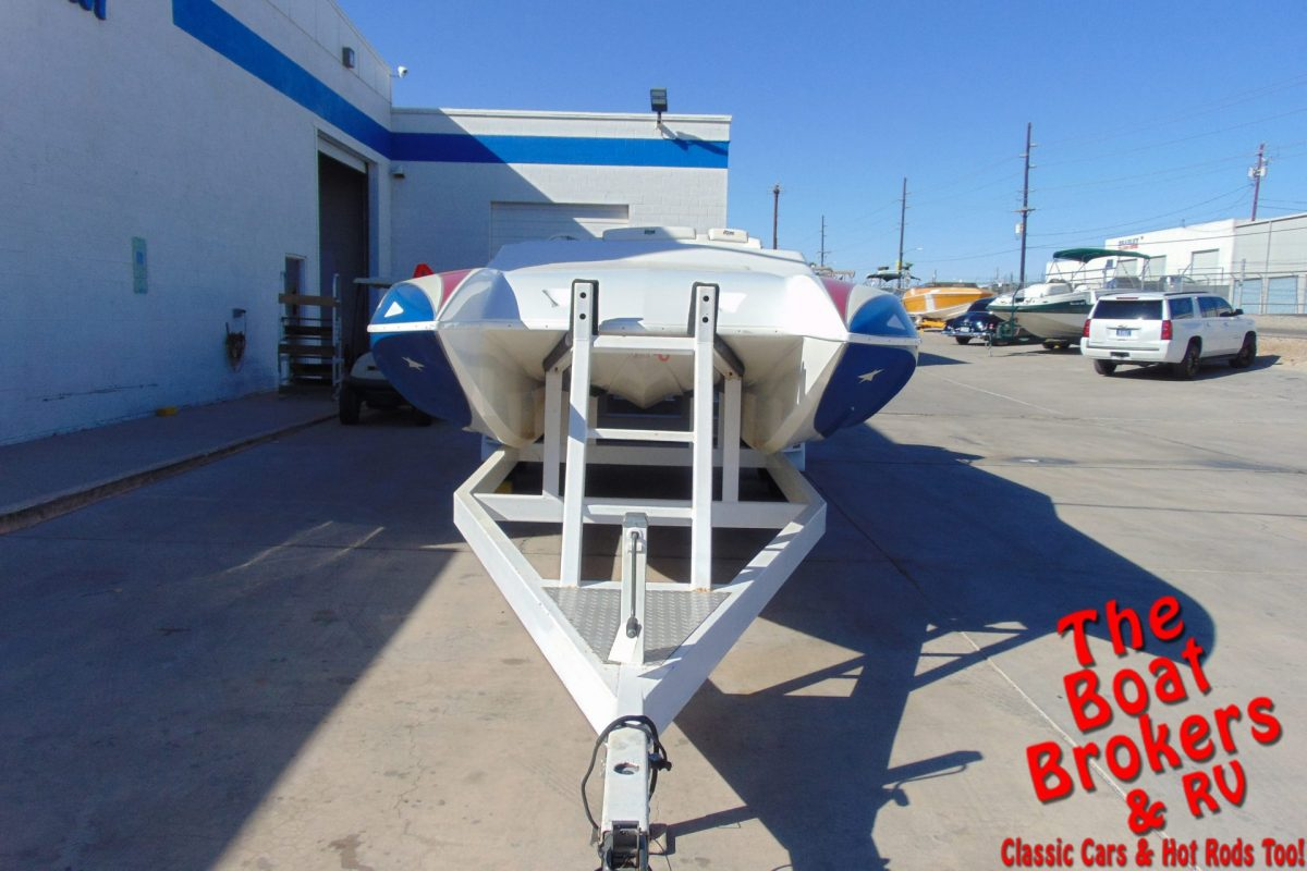 2002 HTM SS 24 CUDDY CLOSED BOW