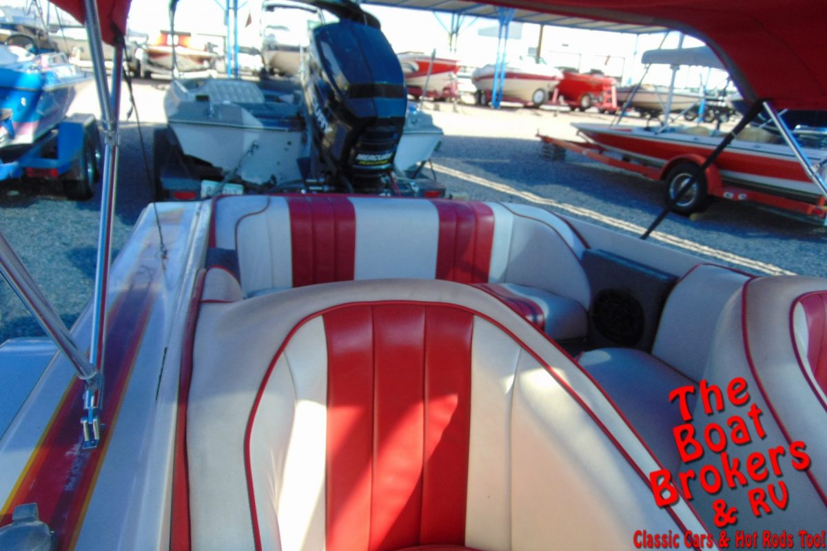 1987 COMMANDER CLOSED BOW 19' BOAT