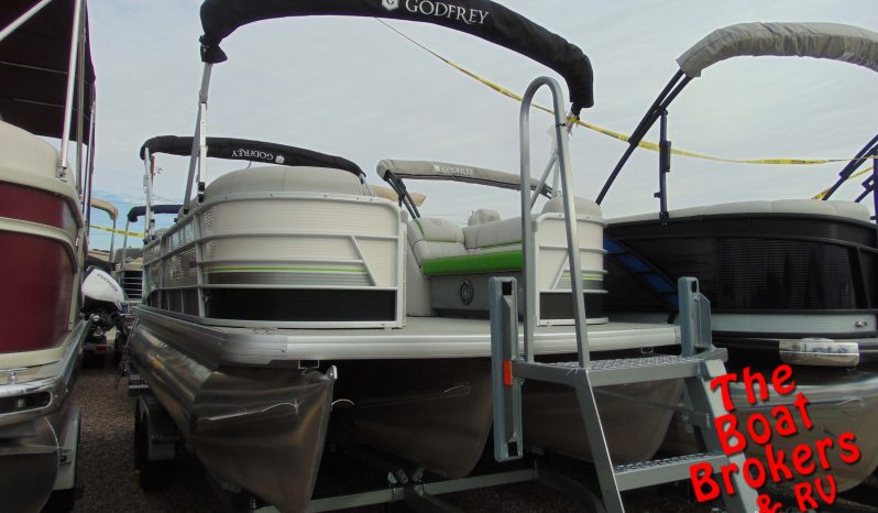 2020 GODFREY SWEETWATER 22' TRIPLE TUBE BOAT