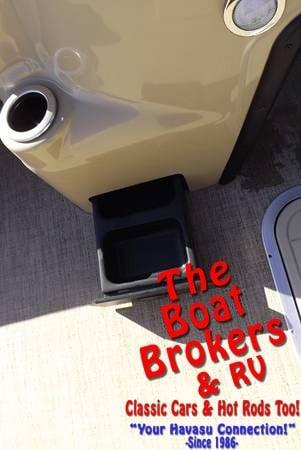 2020 BARLETTA C22CC 22′ FISHING/PARTY BARGE TRIPLE TUBE BOAT
