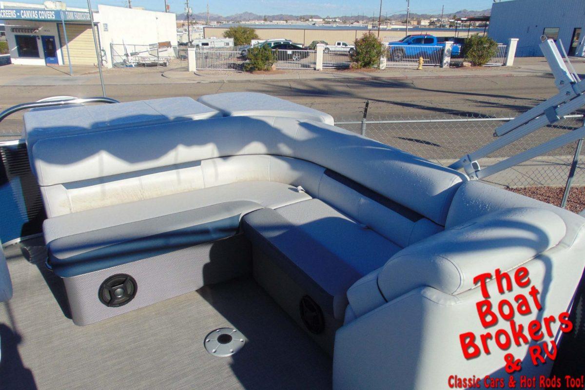 2019 GODFREY SWEETWATER 21' TRIPLE TUBE BOAT