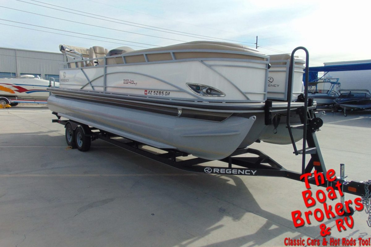 2017 TRACKER REGENCY 254 DL3 27' TRIPLE TUBE PONTOON