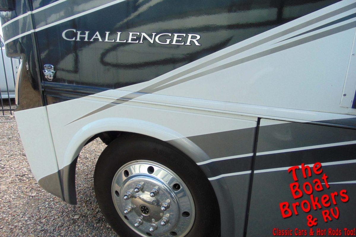 2014 THOR CHALLENGER 37' MOTORHOME