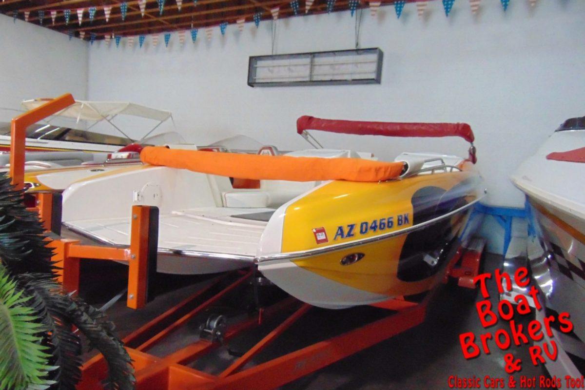 2006 MAGIC 28' DECKBOAT