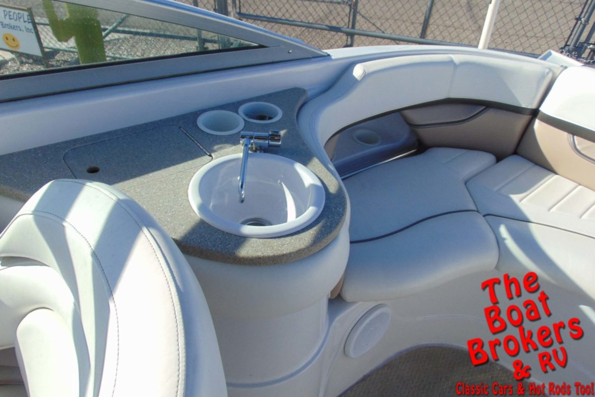 2005 FOUR WINNS BOW RIDER 24' OPEN BOW BOAT