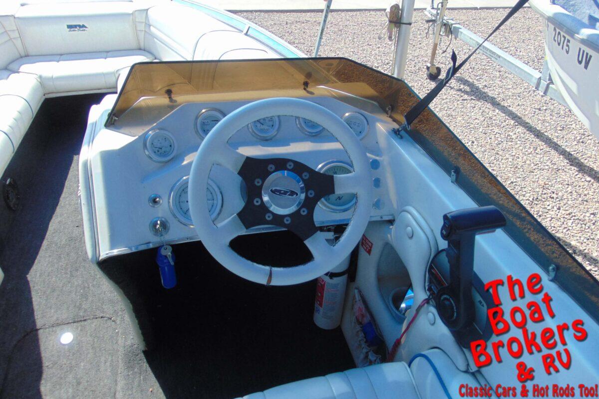 1996 ULTRA LX21 OPEN BOW BOAT
