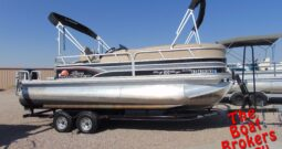 2015 TRACKER SUN TRACKER PARTY BARGE 22 DLX PONTOON 24′ BOAT