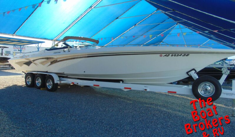1999 FOUNTAIN LIGHTNING 38′ CLOSED BOW BOAT