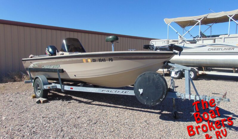 1998 CRESTLINER FISHING BOAT