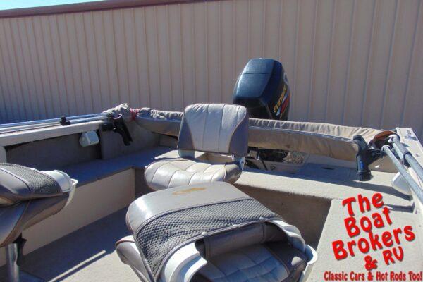1998 CRESTLINER FISHING BOAT
