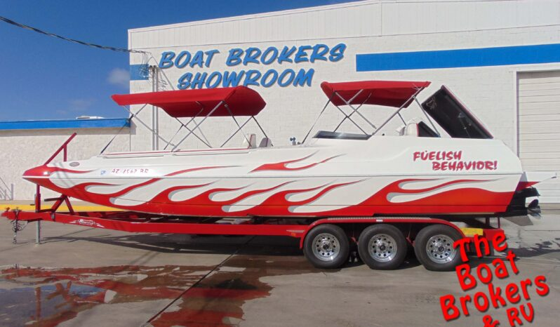 2004 CARRERA 257 FUN DECK PERFORMANCE BOAT 26′