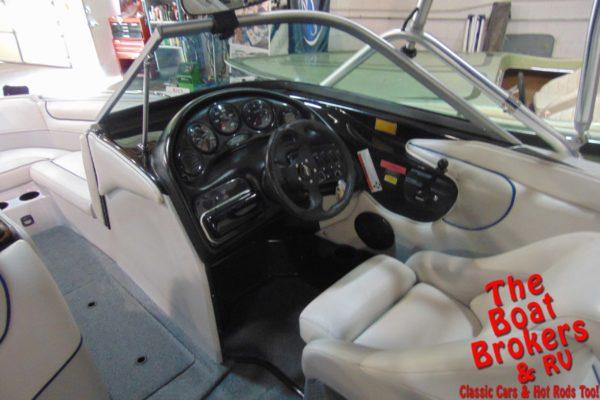2004 SANGER V230 OPEN BOW